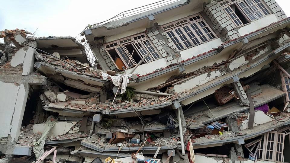 introduction for earthquake essay Earthquake introduction earthquakes shake the ground surface, can cause buildings to collapse, disrupt transport and services, and can cause fires they.